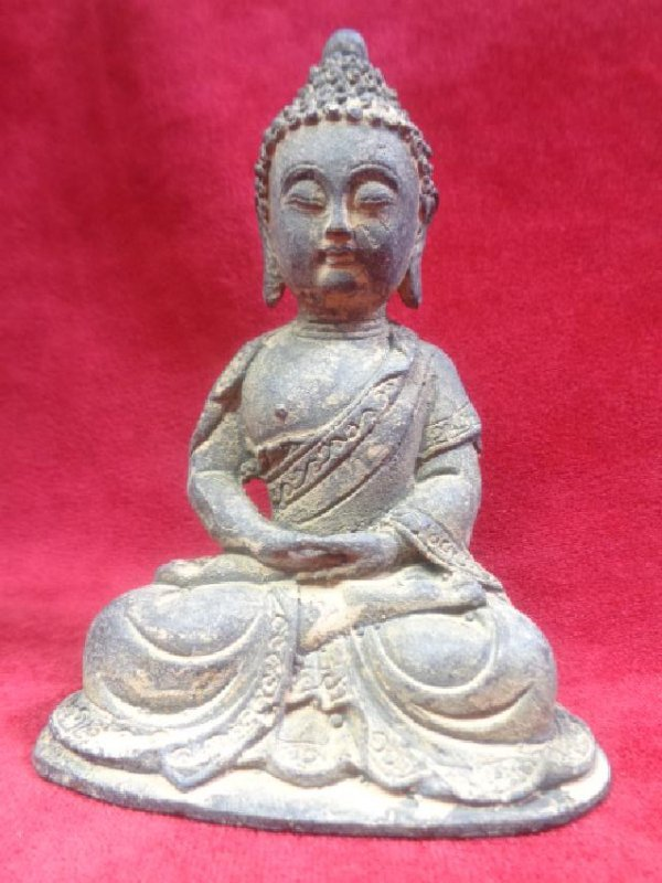Old Asian-China Bronze Buddha Statue