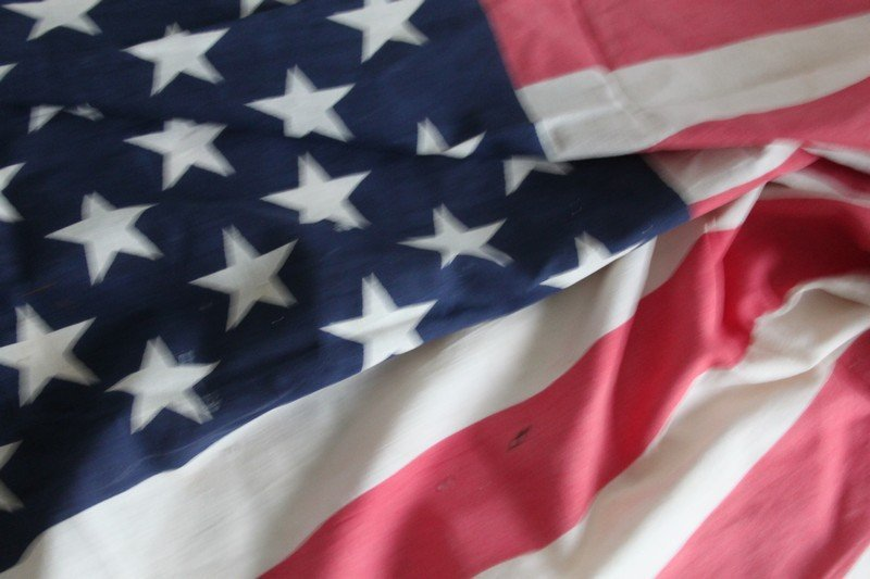 Lot of Vintage American Flags - 7