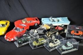 Collection de 15 petites voitures de marques Schuco,
