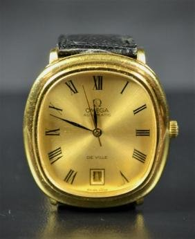 Automatic wristwatch OMEGA De Ville. Made of gold with