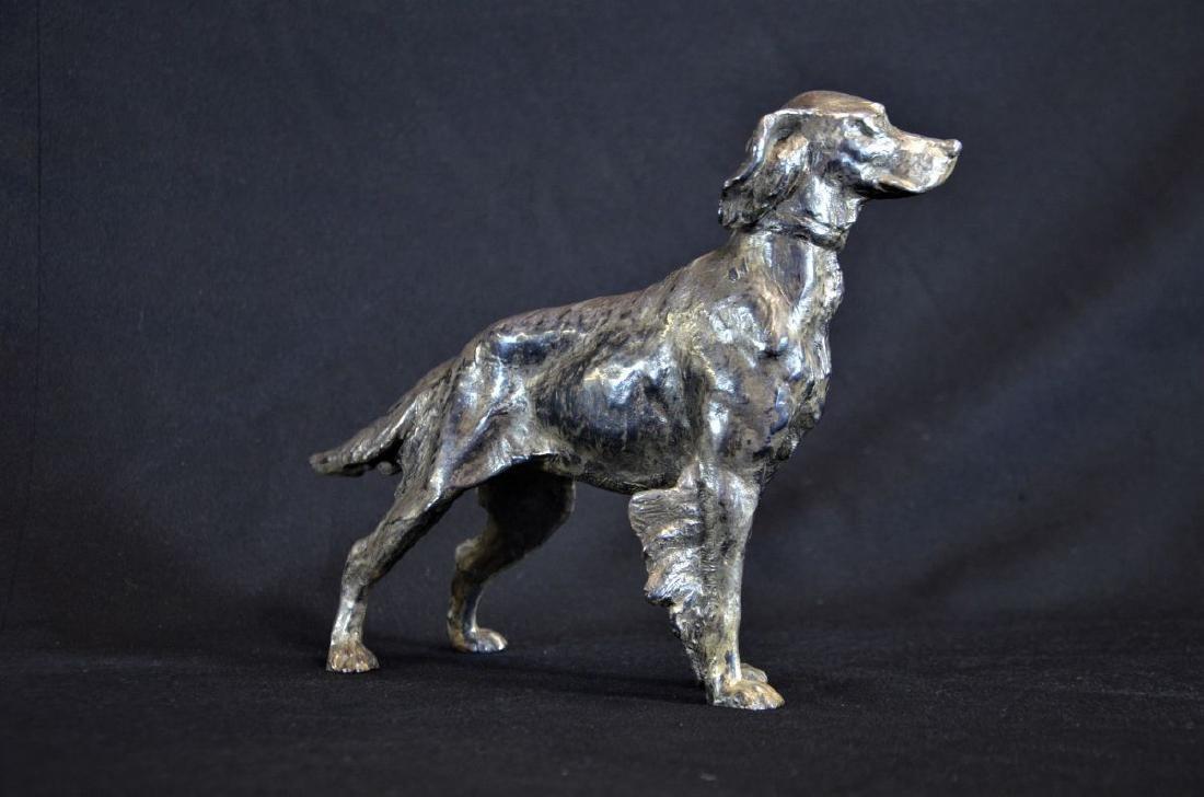 Sculpture chien de chasse en métal. Hauteur: 20cm.