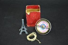 Ensemble de 2 jouets, tour Eiffel et gyroscope, avec