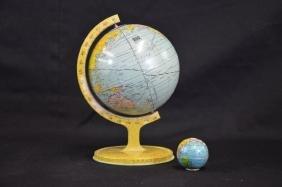 Jouet globe mondial en métal de John & Co, USA et un