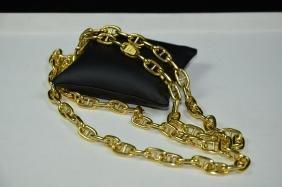 Collier en or jaune 18ct à décors de chaîne de bateau,