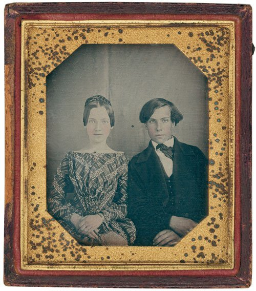 4017: Daguerreotypes: Young couple
