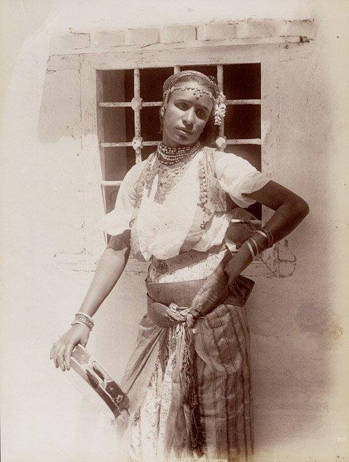 4503: Algeria: Algerian Women