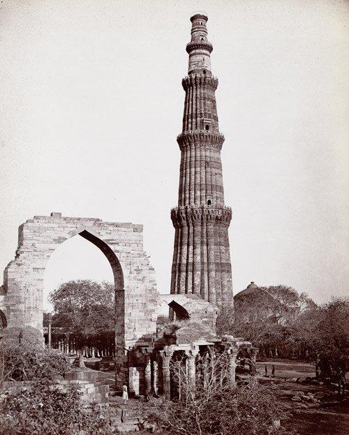 4522: Bourne, Samuel: The Kútub Minar; Tomb of Nizam-ud