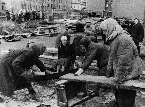 4006: Kudojarow, Boris: Leningrad Blockade: Cutting Woo