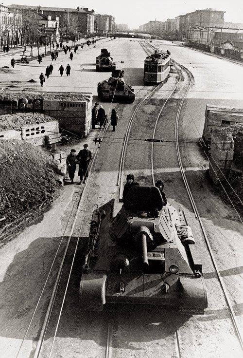 4007: Kudojarow, Boris: Leningrad Blockade: Tanks on th