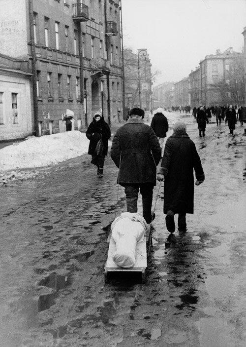 4014: Kudojarow, Boris: Leningrad Blockade: People Tran