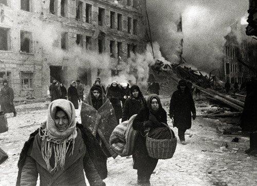 4021: Kudojarow, Boris: Leningrad Blockade: After Bombi