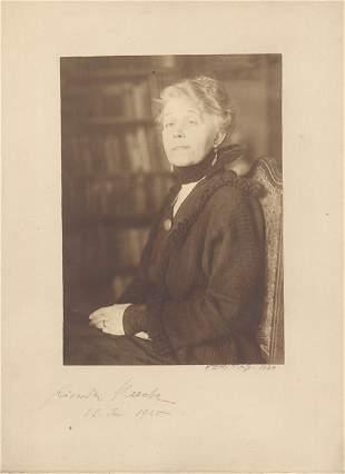 Huch, Ricarda: Porträtfoto mit Signatur, 1925