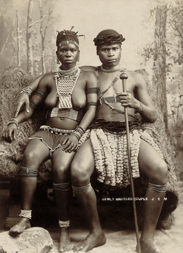 4003: Africa: Zulu and Swahili people in traditional co