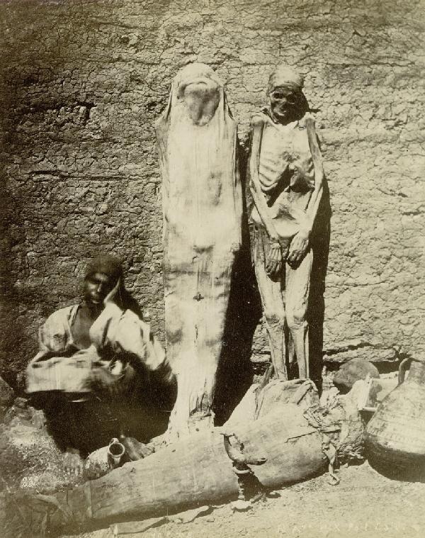 4013: Bonfils, Félix: Momies trouvées dans les tombeaux