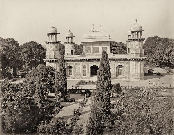4015: Bourne, Samuel: Mausoleum Agra; Garden of Lucknow