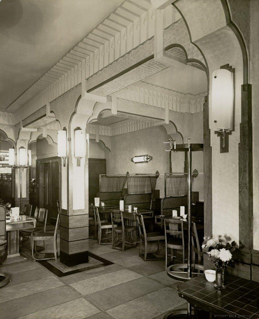 4604: Bale, Stewart: Art deco restaurant interior