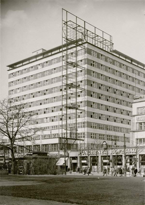 4611: Bielenberg, Richard and Josef Moser: Europahaus