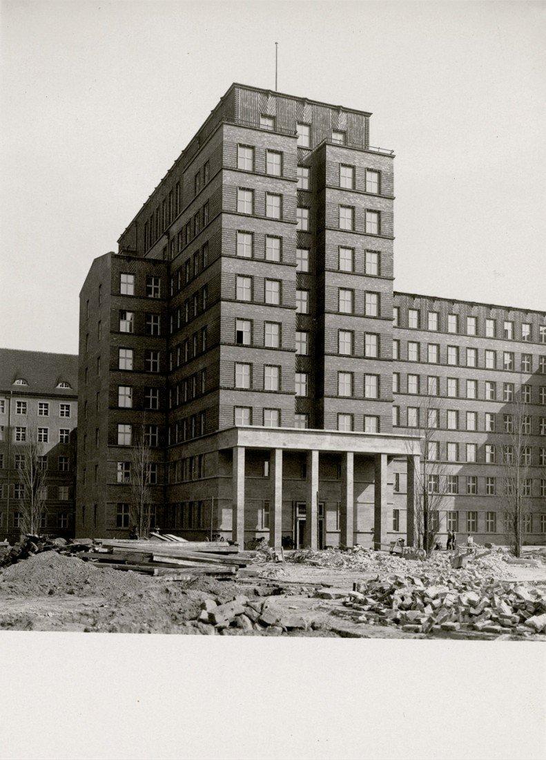 4621: Firle, Otto (P. John): Office building of Reichsv