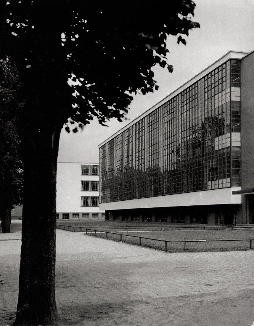 4624: Gropius, Walter (W. Kilham): Bauhaus building