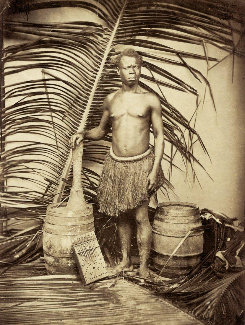 4001: Africa: Studio portrait of a Bantu man