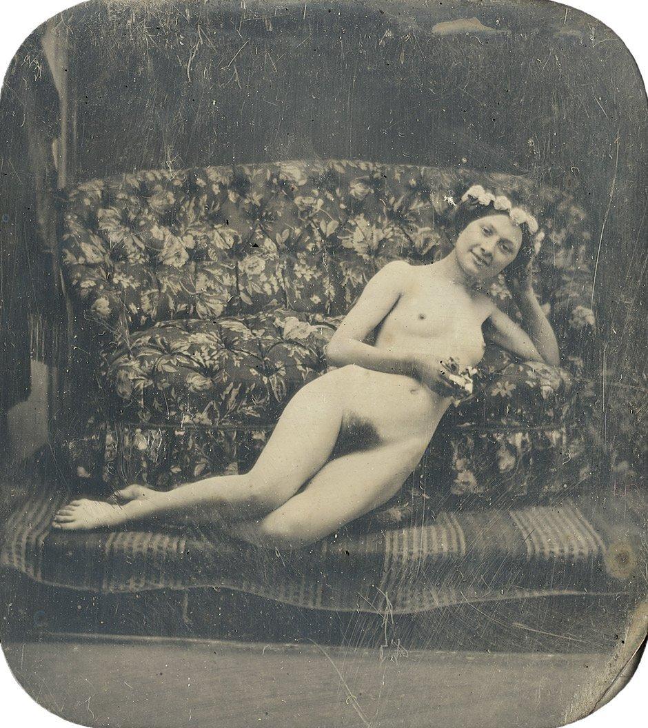4021: Braquehais, Bruno  - : Reclining female nude