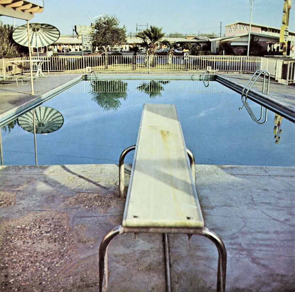 4644: Ruscha, Edward: Nine Swimming Pools and a Broken