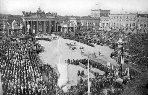 4013: Berlin: Victory Parade Berlin 1866
