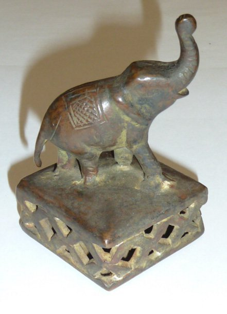 VINTAGE CAST IRON ELEPHANT ON BASE W/BELL INSIDE