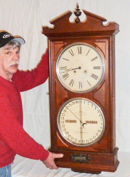 ITHACA REGULATOR #2 CALENDAR CLOCK WALNUT CASE