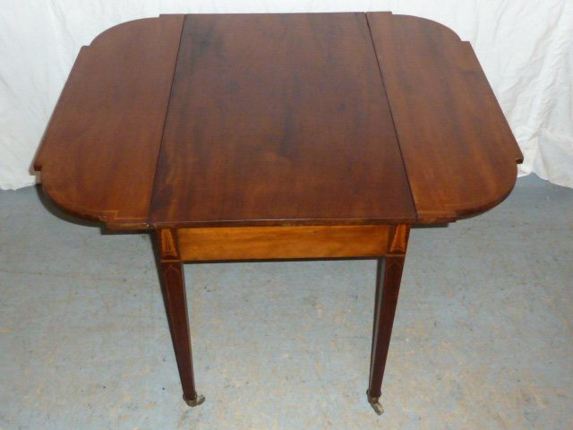 AMERICAN 1800'S DROP LEAF TABLE FEATHER FORM INLAY - 3