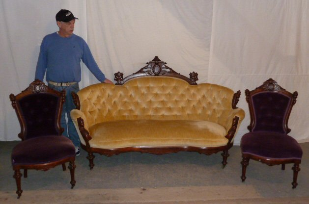 JOHN JELIFF 3 PIECE PARLOR SET MAIDEN HEADS ON COUCH - 9