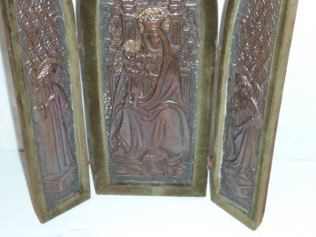 C1900 RELIGIOUS TRIPTYCH OF MARY & JESUS W/ 2 ANGELS - 3