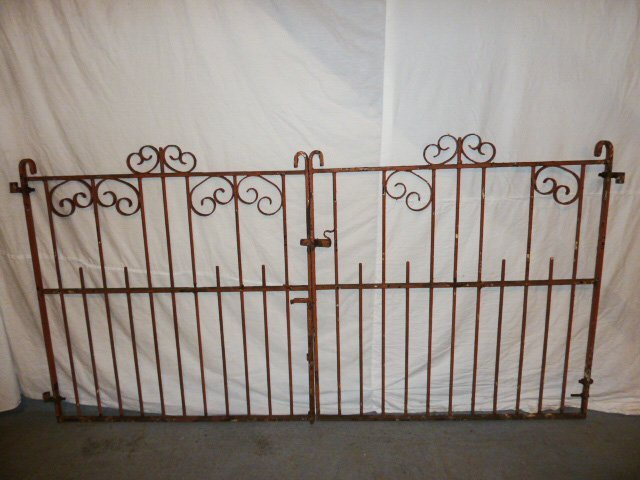 EARLY 20TH C. ORNATE IRON GATES CURLED DECORATION