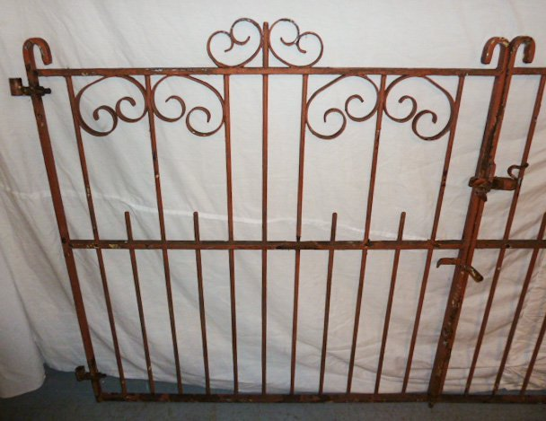 EARLY 20TH C. ORNATE IRON GATES CURLED DECORATION - 3