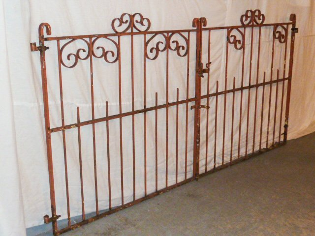 EARLY 20TH C. ORNATE IRON GATES CURLED DECORATION - 5