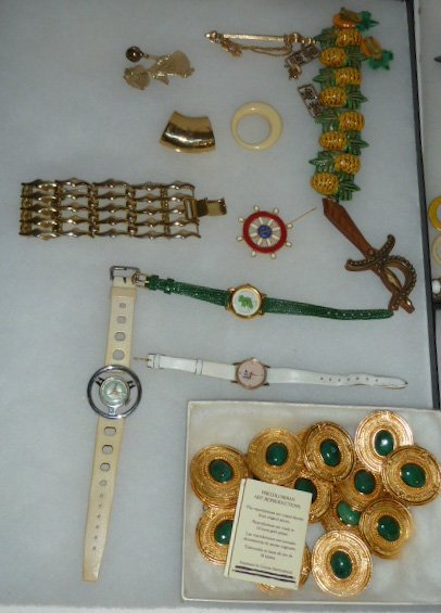 Vintage Designer Costume Jewelry 100+ pieces - 2