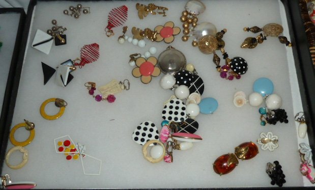 Vintage Designer Costume Jewelry 100+ pieces - 3