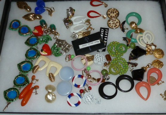 Vintage Designer Costume Jewelry 100+ pieces - 4