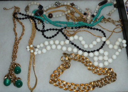 Vintage Designer Costume Jewelry 100+ pieces - 7