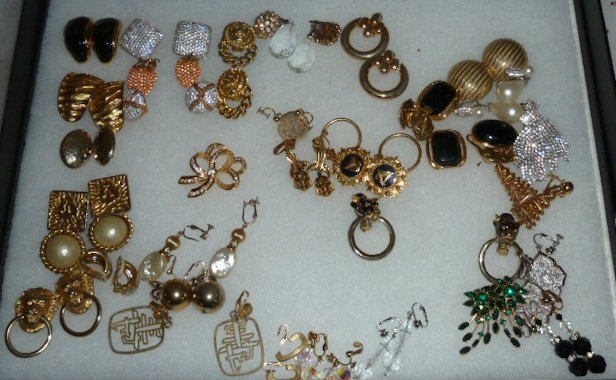 Vintage Designer Costume Jewelry 100+ pieces - 8