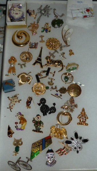 Vintage Designer Costume Jewelry 100+ pieces - 9
