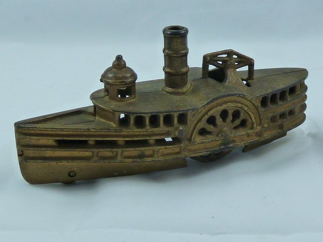 1900's CAST IRON STEAM/PADDLE BOAT PULL TOY