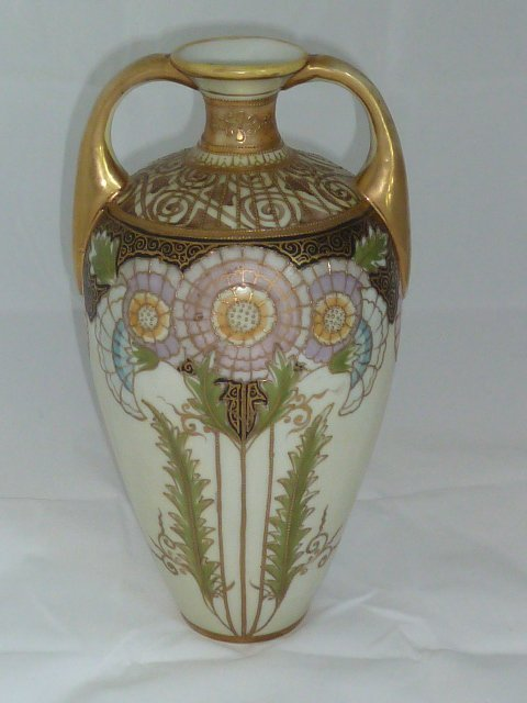EXCEPTIONAL NIPPON VASE IN ART NOUVEAU STYLE