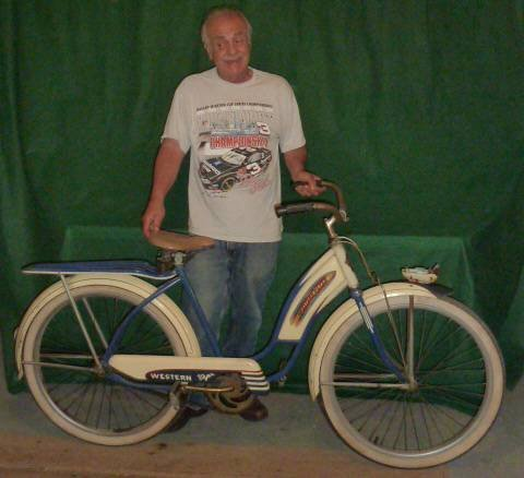 VINTAGE WESTERN FLYER BICYCLE WITH TANK 1950'S - 10