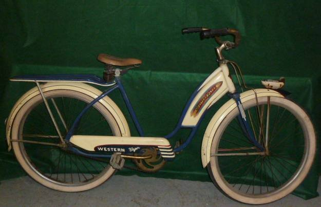 VINTAGE WESTERN FLYER BICYCLE WITH TANK 1950'S