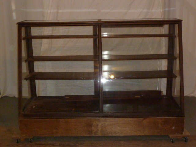 1900'S SLANT FRONT CANDY STORE DISPLAY CASE