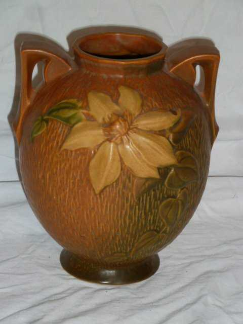 Roseville Clematis 2 Handle Vase 107 8