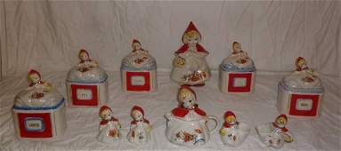 LITTLE RED RIDING HOOD HULL POTTERY 11 PIECES