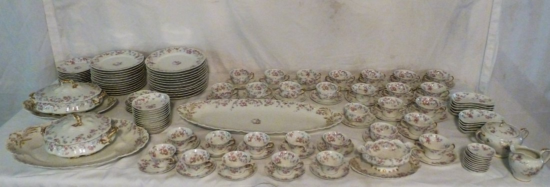 HAVILAND LIMOGES CHINA OVER 100 PIECES