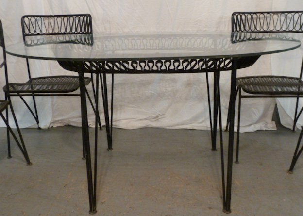 DESIGNER IRON RIBBON CANDY OUTDOOR DINING SET - 2